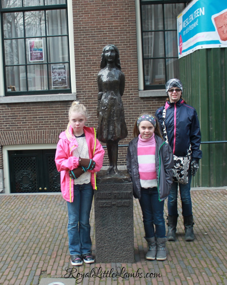 Anne Frank Statue