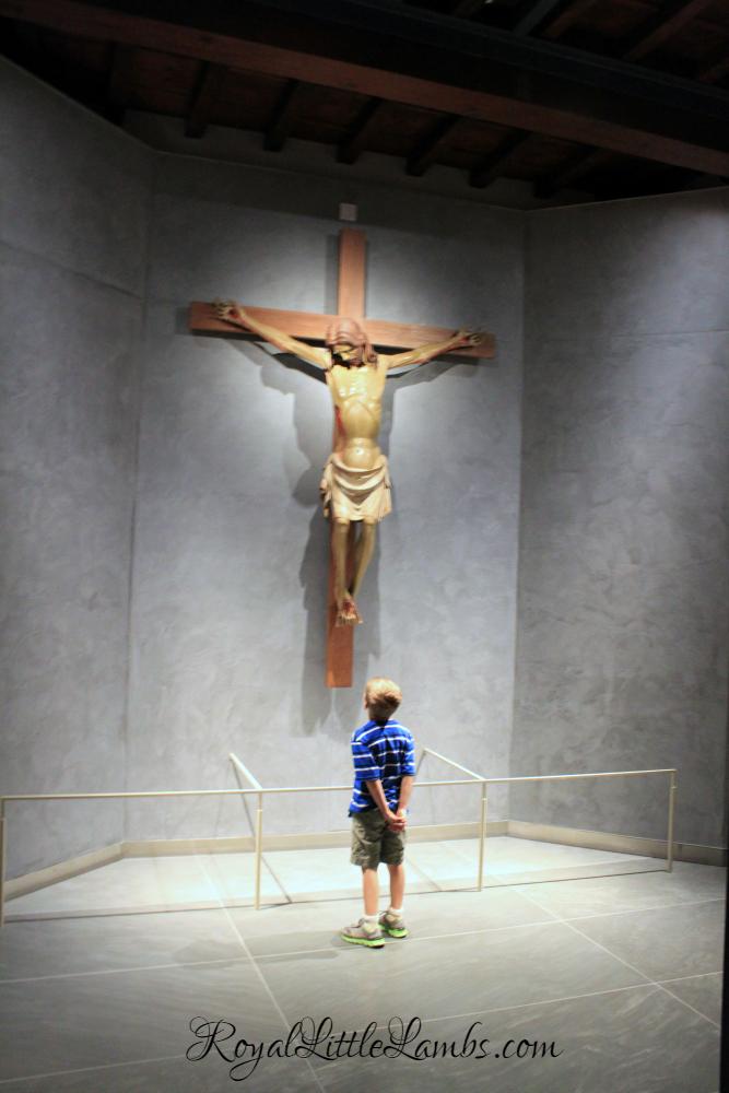 crucifix-in-sala-della-maddalena