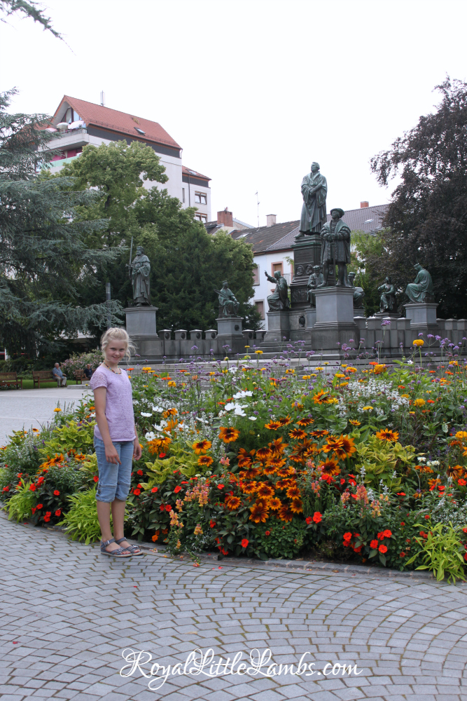 flowers-and-luther-monument