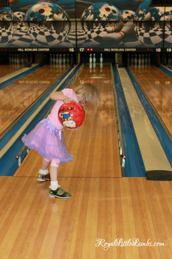 Hello Kitty Bowling