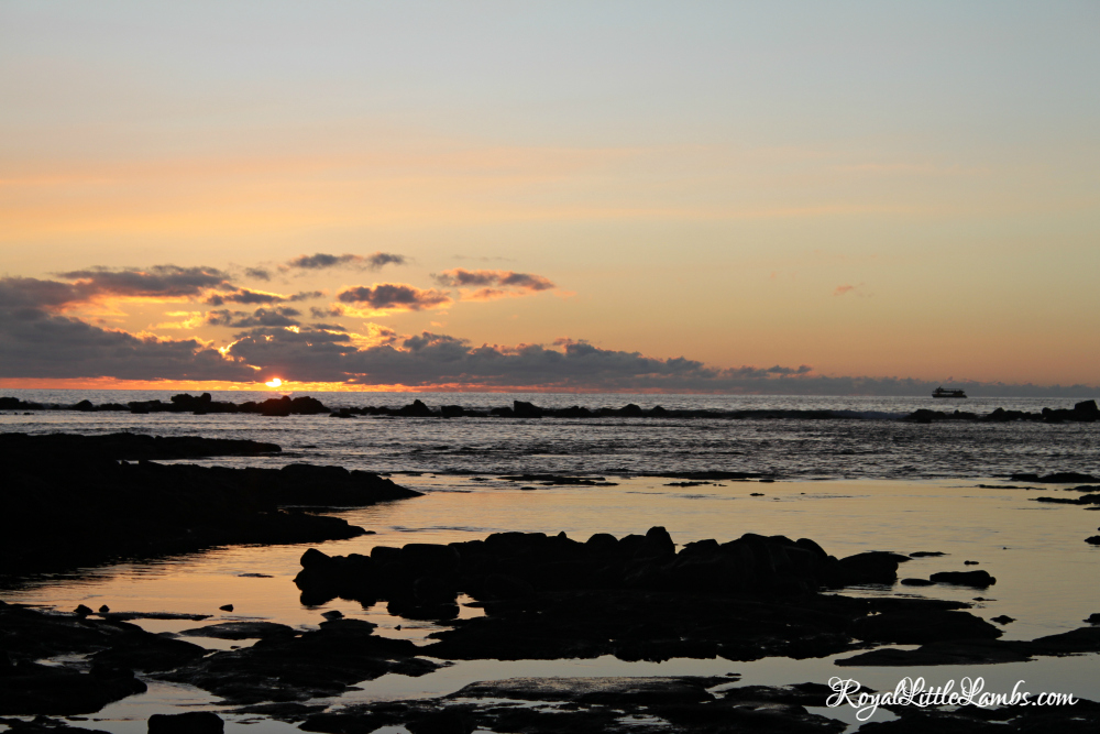 kahaluu-beach-park-sunset