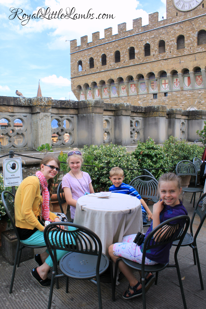 rooftop-cafe-at-the-uffizi